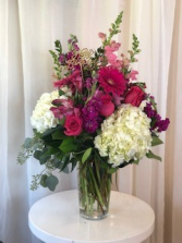 Hot and Lively  Birthday Arrangement