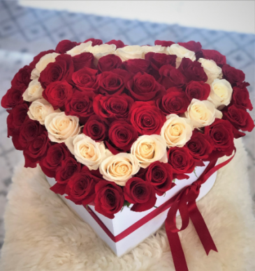 HOT & COLD HEART 50 ROSES IN BIG HEART