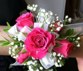 Hot pink mini spray roses wristlet  Corsage