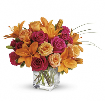 Fiery Lily & Rose Bouquet