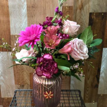 How sweet thou love Vase
