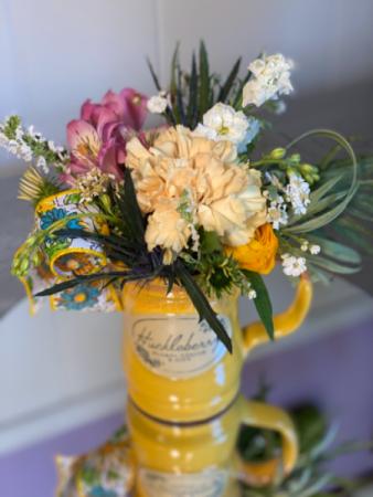 Huckleberry mug yellow Fresh cut with keepsake