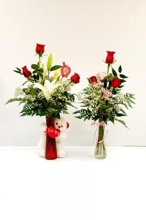 hug bear/ red rose bud vase hugging bear/ red rose vase