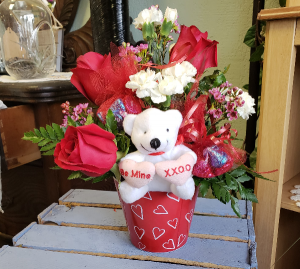 Hugs and Kisses  in Lake City, MI | Arletta's Flowers