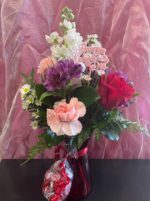 Hugs & Kisses  in Yankton, SD | Pied Piper Flowers & Gifts