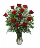I love love love sweet heart 12 red rose in a vase