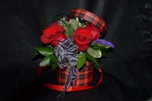 """I LOVE YOU"" BOUQUET hat box arrangement in Sentinel, OK | JJ GIFT SHOP"
