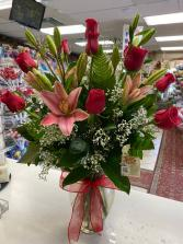 I LOVE YOU!!   ONE DOZEN ECUADORIAN  ROSES LONG STEMS & Pink Lily's