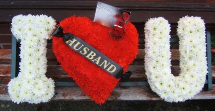 I Love You Tribnute Standing Wreath