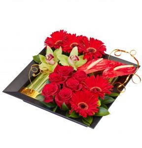 I'm Yours Valentine Romantic Floral Design