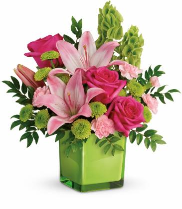 Lime Thinking of You Bouquet Cube Vase Arrangement