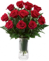 IN LOVE WITH RED ROSES ARRANGEMENT