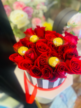 In love with you All red roses in box