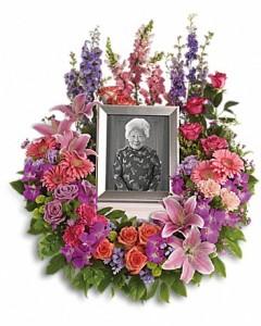 In Memoriam Wreath in Jasper, TX | BOBBIE'S BOKAY FLORIST