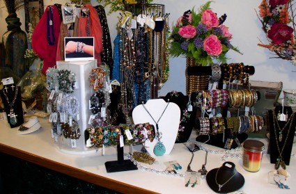Inexpensive Jewelry and Costume Jewelry