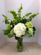 Irish Mist Bouquet  All Around Vase