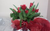 It takes one rose to say I love you. Fresh arrangement