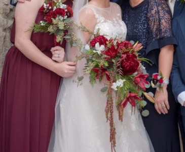 Ivory/Burgundy Brides/Bridesmaid