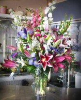 Jaw Dropping Designers Choice fresh flowers
