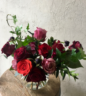 JEWEL ROSES VASE ARRANGEMENT in Toronto, ON | BOTANY FLORAL STUDIO