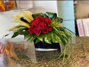 Jewel-Toned  Vase  in Houston, TX | Elegance Flowers