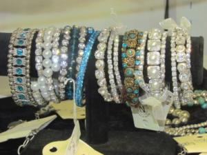 Jewelry  Bracelets, Necklaces, Earrings and Rings in Coffeyville, KS | GREEN ACRES GARDEN CENTER & FLORIST