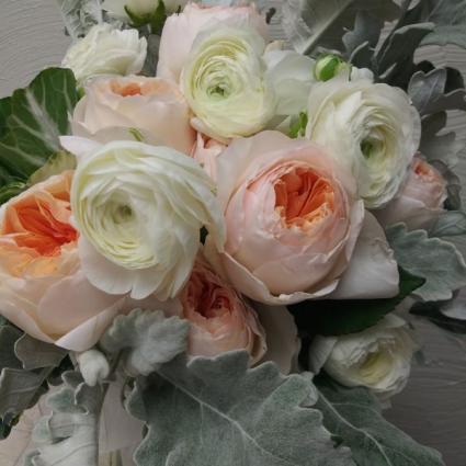 Juliette Roses and Rannunculus Custom