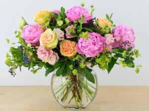 June Garden   in Oakville, ON | ANN'S FLOWER BOUTIQUE-Wedding & Event Florist