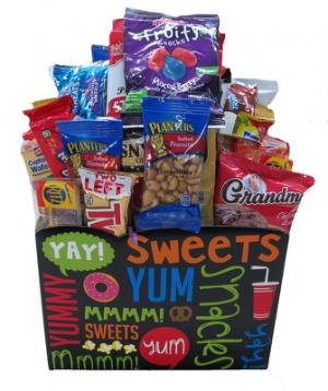 JUNK FOOD BOX Sweet Treat in Longview, TX   ANN'S PETALS