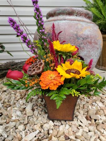 Just a little outdoorsy Fresh arrangement