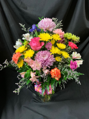 Just Because I Love You Vase Arrangement in Red Lake, ON | FOREVER GREEN GIFT BOUTIQUE
