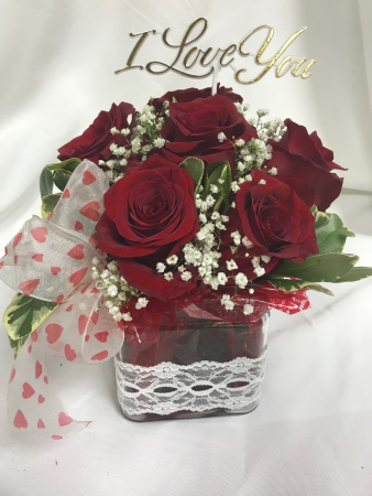 Love At First Sight Half Dozen Roses
