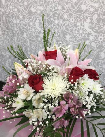 Beautiful Blooms Bouquet - No Vase  Mixed Bouquet