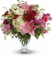 Kensington Gardens fresh mix flower in vase every day