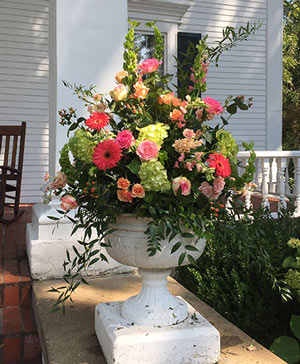 Kiss of Daylight Centerpiece in Ozone Park, NY | Heavenly Florist