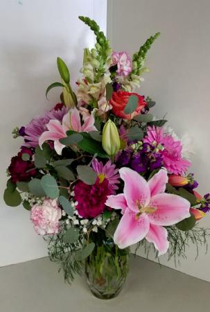 Amazing Mom Bouquet Fresh Vase