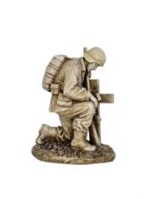 Sympathy Keepsake - Kneeling Soldier