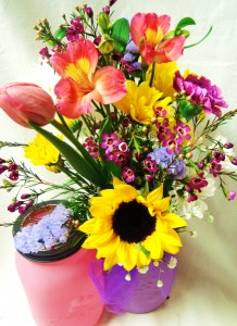 Bright spring mix in a COLORED MASON JAR!