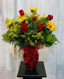 Valentine Ladies In The Sun  Roses Arranged