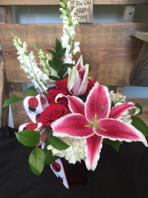 Lady Bug Love Fresh cut in Oak Ridge, TN | MOTT'S FLORAL DESIGN