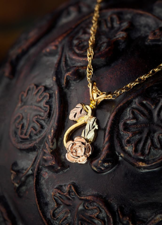 Rose Pendant Landstrom's Black Hills Gold Jewelry