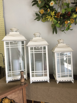 Lantern  in Chapmanville, WV | CANDLE SHOPPE FLORIST