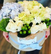 Summer Breeze Flower Box Arrangement Assorted Flowers