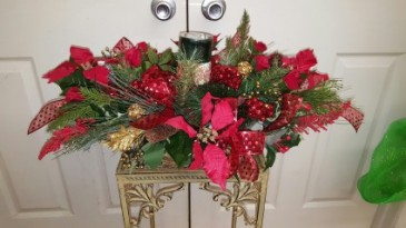 Large Woodsy Greens Centerpiece Christmas
