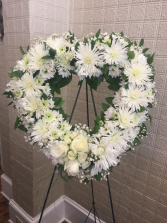 Large Heart Wreath, all white 24
