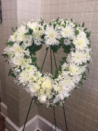 """Large Heart Wreath, all white 24"""" Oasis Heart"""