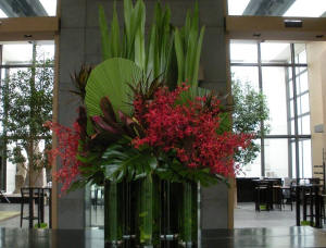 Large Holiday Displays   in Oakville, ON | ANN'S FLOWER BOUTIQUE-Wedding & Event Florist