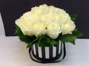 Large Magnificent Roses Hat Box   in Troy, MI | ACCENT FLORIST