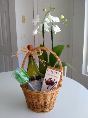 Last Minute Gift Basket!  in Miami, FL | Greensical Flowers Gifts & Decor