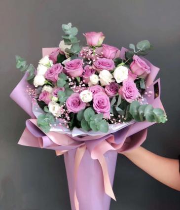 Lavender roses bouquet